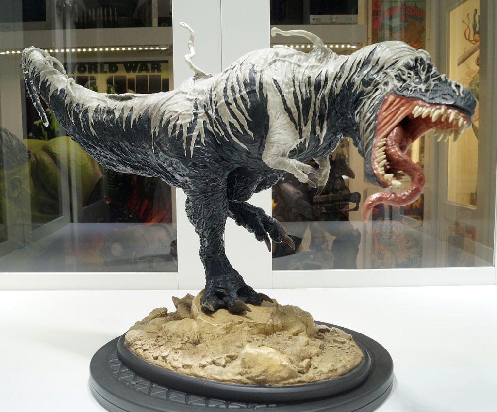 [Bild: SideshowVenomSaurus01_1024.jpg]